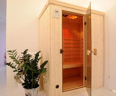 seans w saunie ir