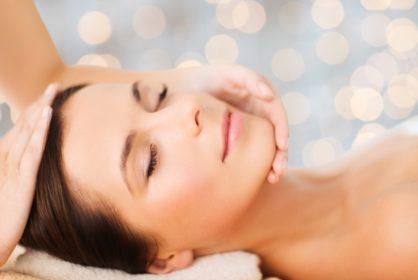 regenerujący masaż twarzy