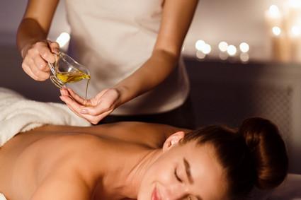 ABHYANGA – tradycyjny olejowy masaż ciała